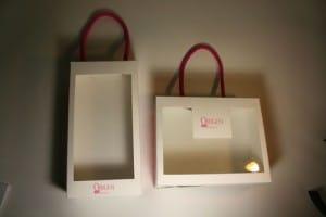 Bolsas de papel impresas abiertas